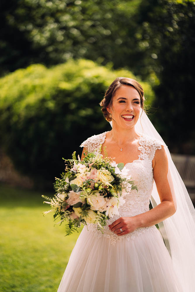 Bride & her Bouquet