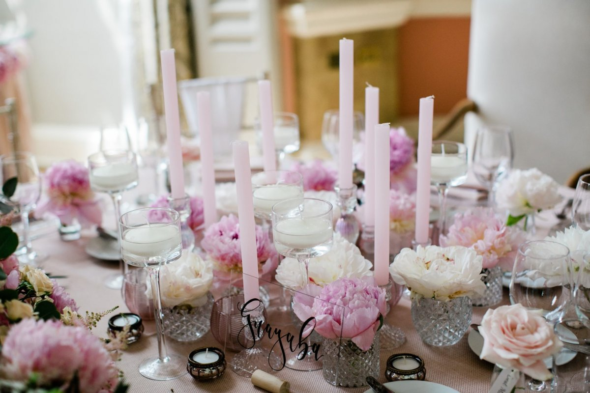 Wedding table finishing touches